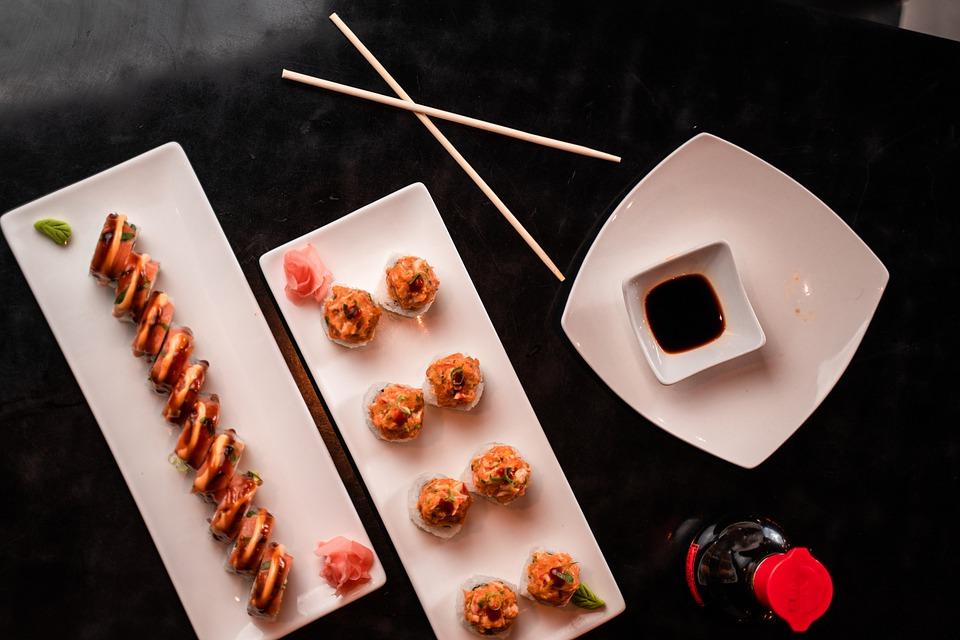 סושי: כיצד לאכול סושי בדרך היפנית